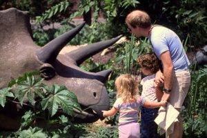 1987 UT Dinosaur 112