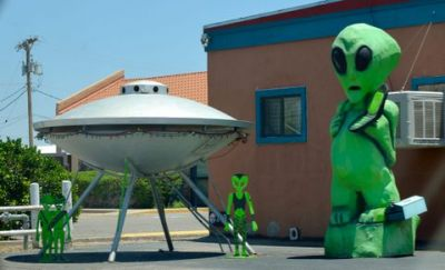 Aliens_Roswell-NM_LAH_9544a-001