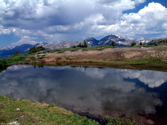 summit views @CottonwoodPass 15july05 LAH015
